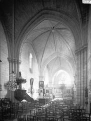 Ancienne église paroissiale Saint-Nicolas - Nef, vue de l'entrée