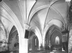 Eglise Sainte-Lheurine - Nef, vue de l'entrée