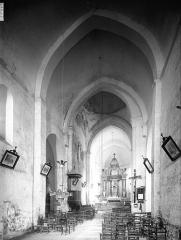Eglise Saint-Sylvain - Nef, vue de l'entrée