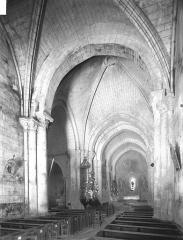 Eglise Saint-Grégoire£ - Nef, vue de l'entrée