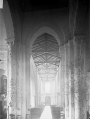 Eglise Saint-Germain£ - Nef, vue du choeur