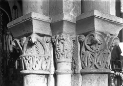 Eglise Saint-Eutrope - Crypte, chapiteau