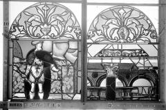 Ancienne église Saint-Eloi - Vitrail, fenêtre 1, panneaux supérieurs des deux lancettes gauche et médiane