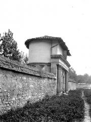 Ancienne abbaye - Ancien jardin de l'abbaye : Reposoir n° 1