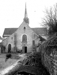 Ancienne Abbaye cistercienne de la Bussière, actuellement Centre d'accueil et de rencontre - Eglise, ensemble ouest