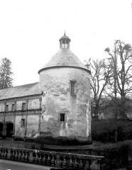 Domaine du château de Bussy-Rabutin - Aile droite, tour