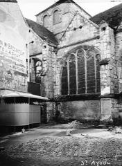 Ancienne abbaye ou prieuré Saint-Ayoul - Eglise, fenêtre latérale