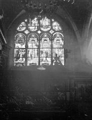 Ancienne abbaye ou prieuré Saint-Ayoul - Eglise, intérieur, vitrail