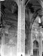 Eglise Saint-Gervais-Saint-Protais - Bas-côté sud, piliers, détail
