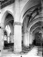 Eglise Saint-Gervais-Saint-Protais - Déambulatoire, au sud