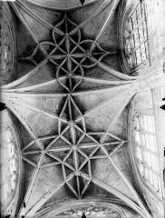 Eglise Saint-Gervais-Saint-Protais - Bras nord du transept, voûtes