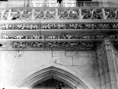 Eglise Saint-Gervais-Saint-Protais - Bras sud du transept, frise