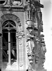 Eglise Saint-Gervais-Saint-Protais - Clocher, détail