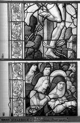 Eglise Saint-Patrice - Vitrail, fenêtre au fond du choeur, la Crucifixion, lancette de gauche, quatrième panneau supérieur
