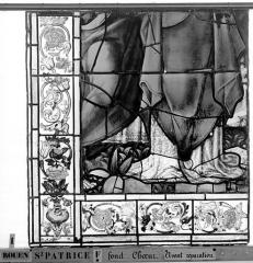 Eglise Saint-Patrice - Vitrail, fenêtre au fond du choeur, la Crucifixion, lancette de gauche, cinquième panneau supérieur