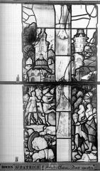 Eglise Saint-Patrice - Vitrail, fenêtre au fond du choeur, la Crucifixion, lancette médiane, quatrième panneau