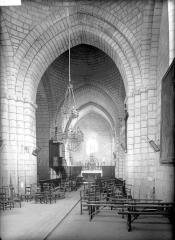 Eglise Saint-Pierre-ès-Liens - Nef, vue de l'entrée