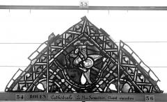 Ensemble archiépiscopal - Vitrail, déambulatoire, baie 52, le Bon Samaritain, premier panneau, en haut