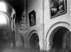 Eglise - Travées de la nef vues du choeur