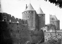Cité de Carcassonnne - Porte Narbonnaise et tour