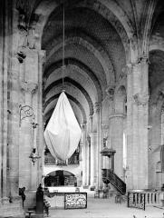 Eglise Saint-Nazaire - Nef vue du choeur