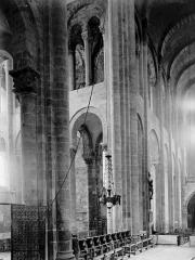 Ancienne abbaye Sainte-Foy - Croisée du transept
