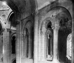 Ancienne abbaye Sainte-Foy - Triforium au sud-est