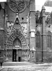 Cathédrale Notre-Dame - Transept nord: portail