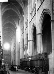 Cathédrale Notre-Dame - Choeur et nef vers l'ouest