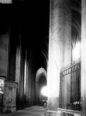 Cathédrale Notre-Dame - Déambulatoire côté sud vers l'ouest