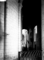 Eglise Saint-Amans - Nef: travées