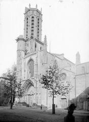 Cathédrale Saint-Sauveur - Façade ouest et clocher