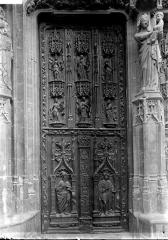 Cathédrale Saint-Sauveur - Portail: vantail gauche
