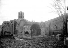 Nécropole des Alyscamps - Clocher