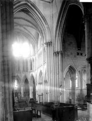 Eglise de Norrey-en-Bessin - Choeur et croisée du transept