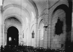 Eglise Saint-Jean-Baptiste - Nef vue de l'entrée