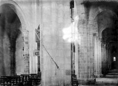 Eglise Saint-Genès (anciennement église prieurale Saint-Etienne) - Nef et bas-côté sud