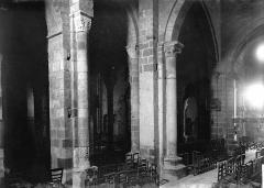 Eglise Saint-Genès (anciennement église prieurale Saint-Etienne) - Nef et bas-côté sud: vue diagonale