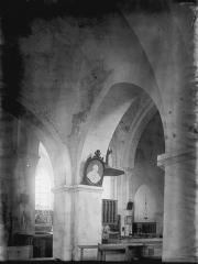 Ancienne Abbaye cistercienne de la Bussière, actuellement Centre d'accueil et de rencontre - Nef : vue diagonale