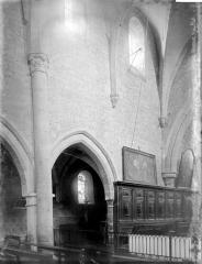 Eglise Notre-Dame - Travées et stalles côté nord