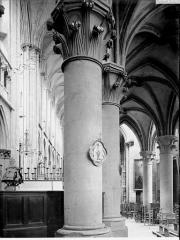 Eglise (collégiale) Notre-Dame - Déambulatoire côté nord