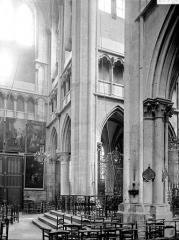 Eglise (collégiale) Notre-Dame - Croisée du transept