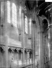 Eglise (collégiale) Notre-Dame - Triforium et fenêtres hautes
