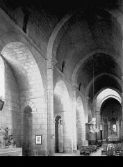 Eglise Saint-Barthélémy - Nef vue de l'entrée