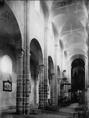 Eglise Sainte-Valérie - Nef vue de l'entrée