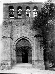 Eglise Saint-Quentin - Façade ouest: clocher-mur