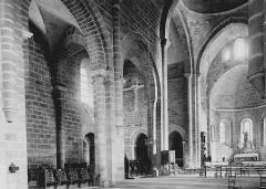 Ancienne abbaye Saint-Etienne - Eglise : Vue intérieure de la nef vers le nord-est