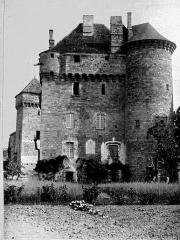 Châteaux de Saint-Hilaire et des Plas - Vue d'ensemble