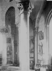 Eglise Saint-Robert - Eglise, déambulatoire