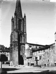 Cathédrale Saint-Martin, actuellement Notre-Dame et cloître, actuellement Musée municipal£ - Clocher